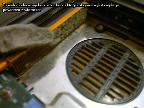 zdjęcie zakurzonego wiatraka w laptopie